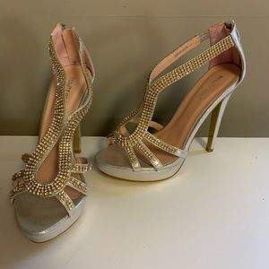 Shoes - NEW Silver Rhinestone Formal Heels